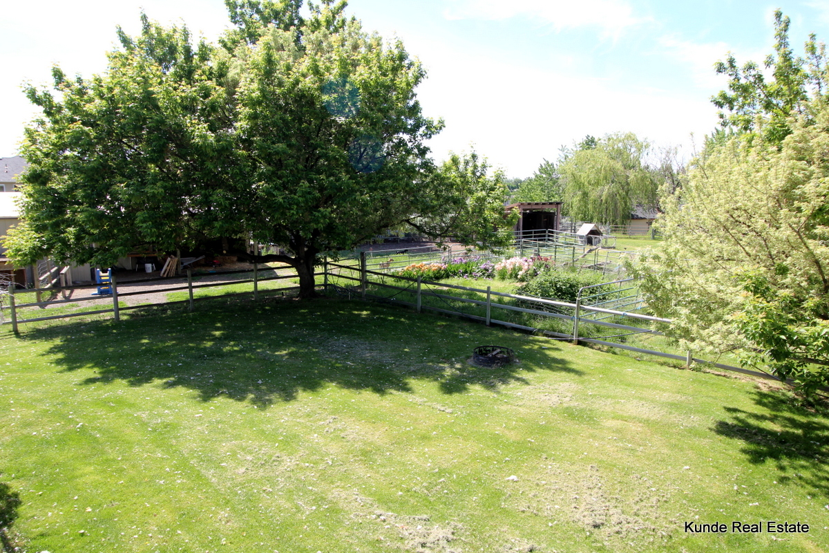 Sold 1 5 Acre Horse Property With 4 Bed Home 439 900 Kunde Real Estate