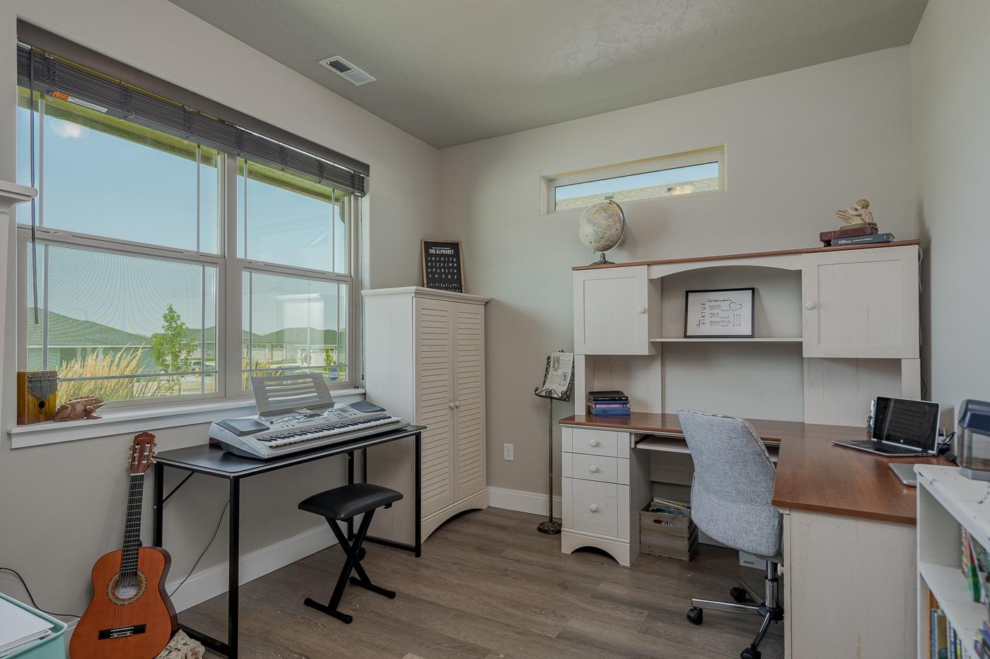B8-office