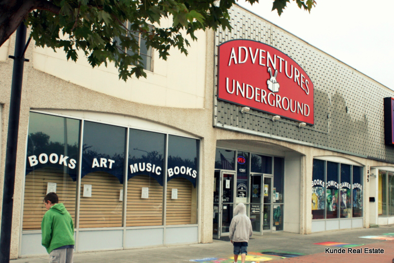 Adventures underground book store Uptown shopping center Richland Wa places things to do Tri-Cities local business small business shop ma and pa